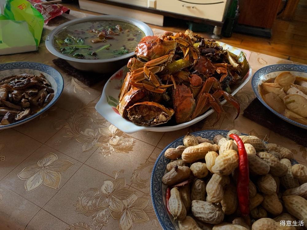 孕妇可以吃螃蟹吗?现在家里做了好吃的都得先想想自己能不能吃!