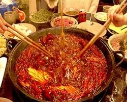 """【占楼有礼】秋天的第一份火锅""""远洋""""请你!在武汉吃地道的成都老火锅!"""