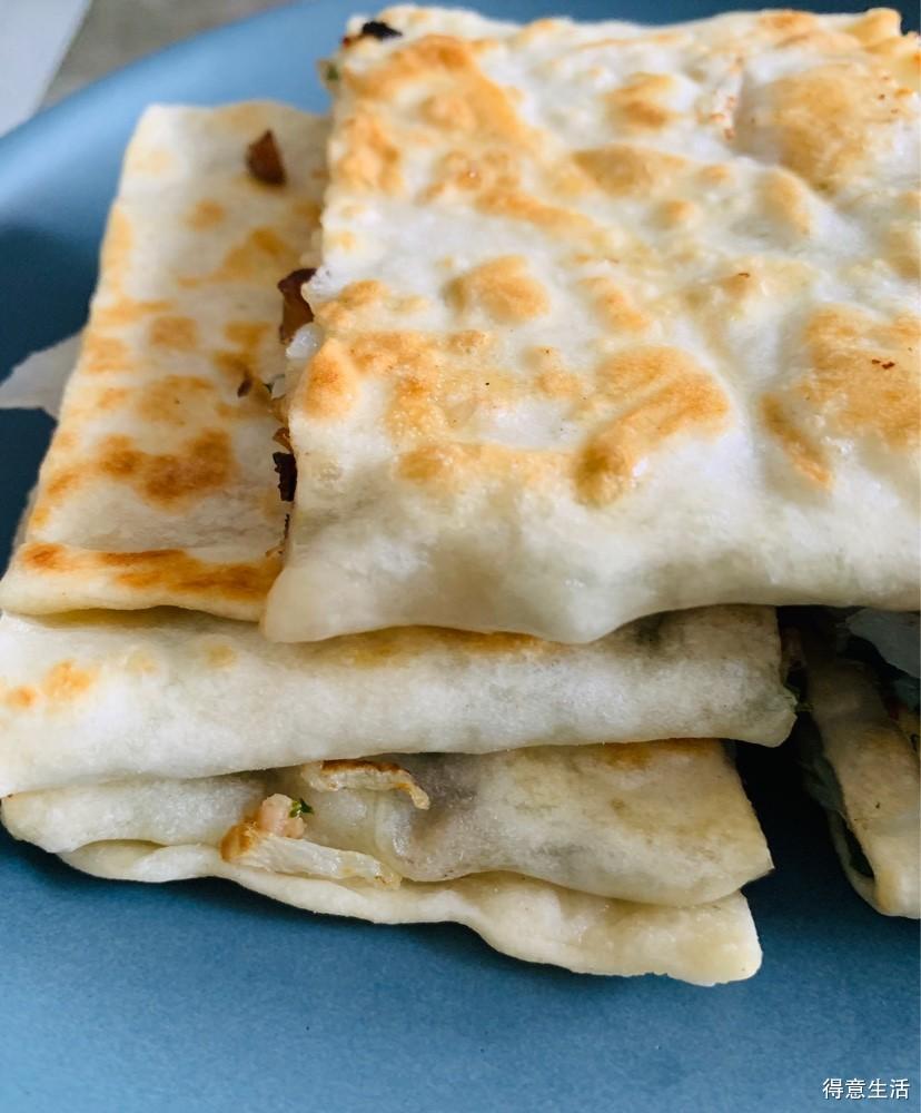 今日早餐吃自己烹制的油饼,外酥里嫩!