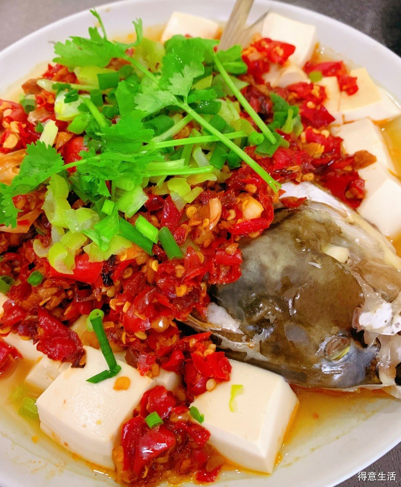 自制剁椒烹制剁椒鱼头,辣的过瘾啊!