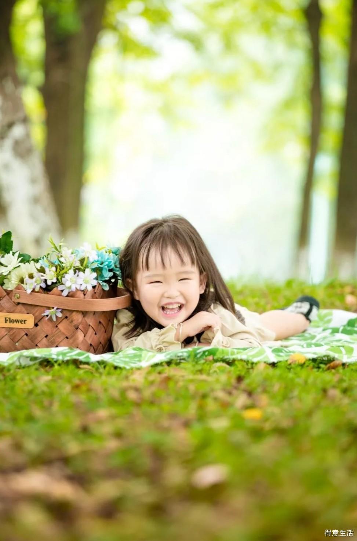 你笑起来真好看,晒一波我家小小妞的深秋森系大片!