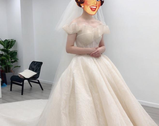 姐妹们都在问的香槟色婚纱,我可太喜欢了!