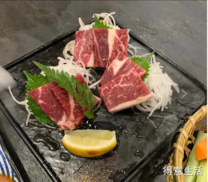 武汉美食分享| 梦回京都又见小鹿,可以穿和服的日式烤肉店!