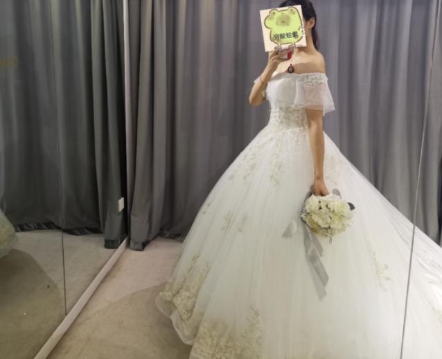 忐忑的第一次试婚纱,被主纱惊艳到,腰线非常完美!