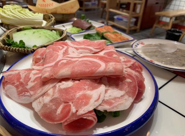 [美食分享] 被人强迫吃了个网红火锅,还不小心遇见了网红