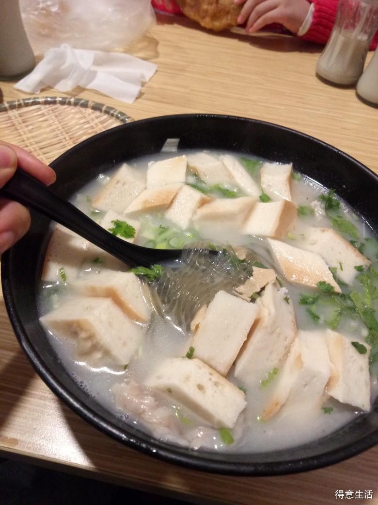 羊汤泡馍各种牛羊肉汤,十几元吃个饱虚虚浮浮