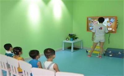 孩子两岁多,老人身体不好无法带娃,求问有关江岸区幼儿托管的问题!