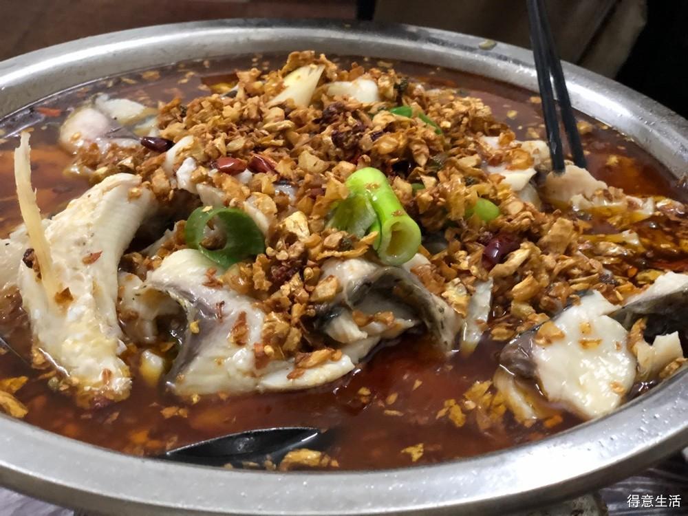 打卡重庆酒家,干煸藕丝和炸春卷还是一如既往好吃!