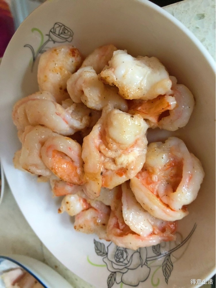 自己做几道家常小菜,冬瓜排骨汤配上一点虫草花真不错!