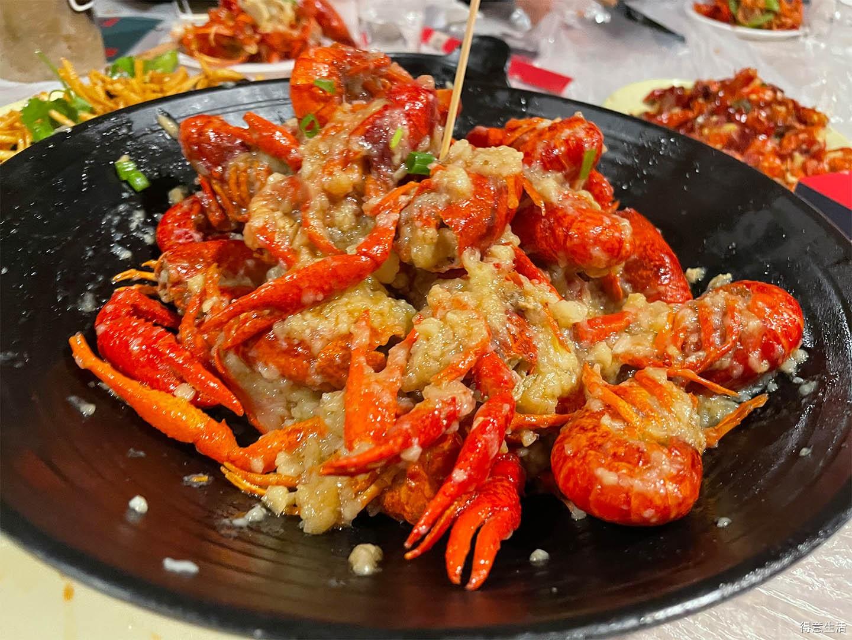 干饭人走起,吃光十盘大龙虾!