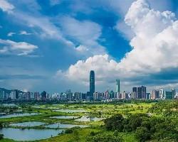 稍微了解下武汉的工业布局,也应该知道郊区的环境是不如市中心的!
