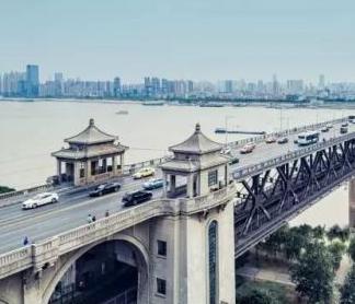 咨询一下,新国标电动车可以过长江大桥吗?