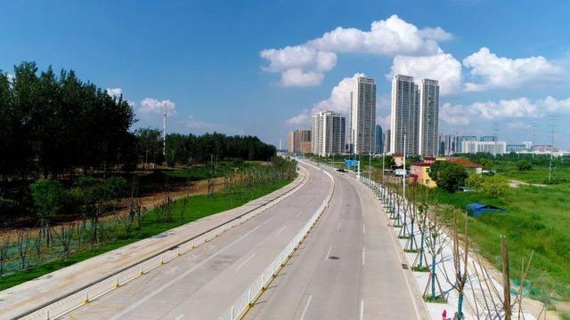 过早冒|610个老旧小区改造完工24万户居民换新家!新武金堤路已通车进城更便捷!