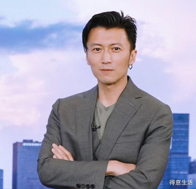 谢霆锋直播首秀翻车?带货半小时被骂下播,网友指责他是外国人!