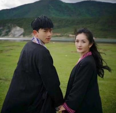 张杰晒出和谢娜合照庆结婚十周年,深情表白妻子,小细节超甜!