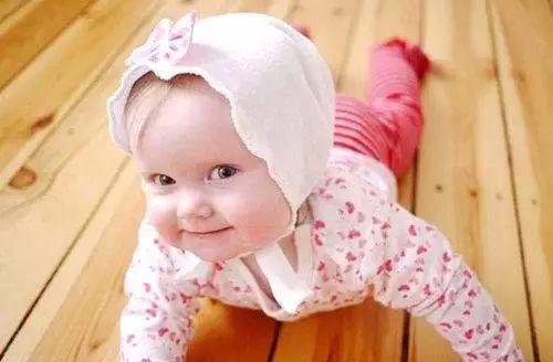 2岁小个好动女宝,体能、水训、早教,学哪个好?