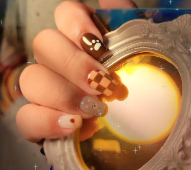 秋天的第一杯奶茶风的美甲,爱了爱了!